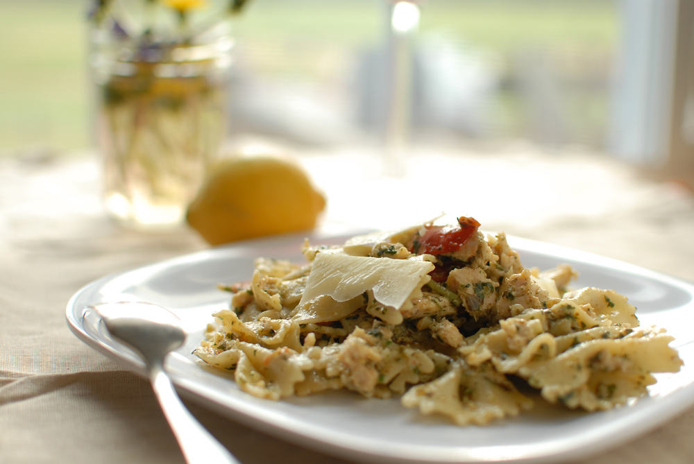 Tuna Tuesday: Tuna Pesto Pasta With Roasted Tomatoes