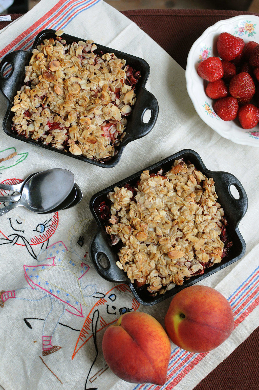 Fresh Strawberry And Peach Oatmeal Crisp
