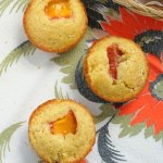 Little Peach Picnic Cakes