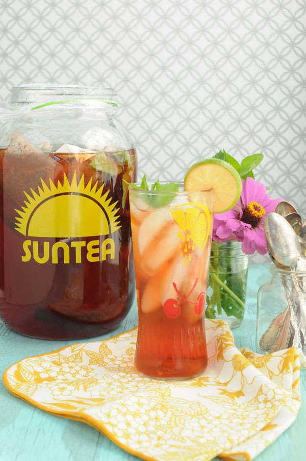 Raspberry Lime Sun Tea