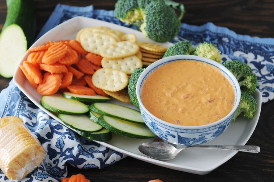 5 Minute Roasted Red Pepper Dip
