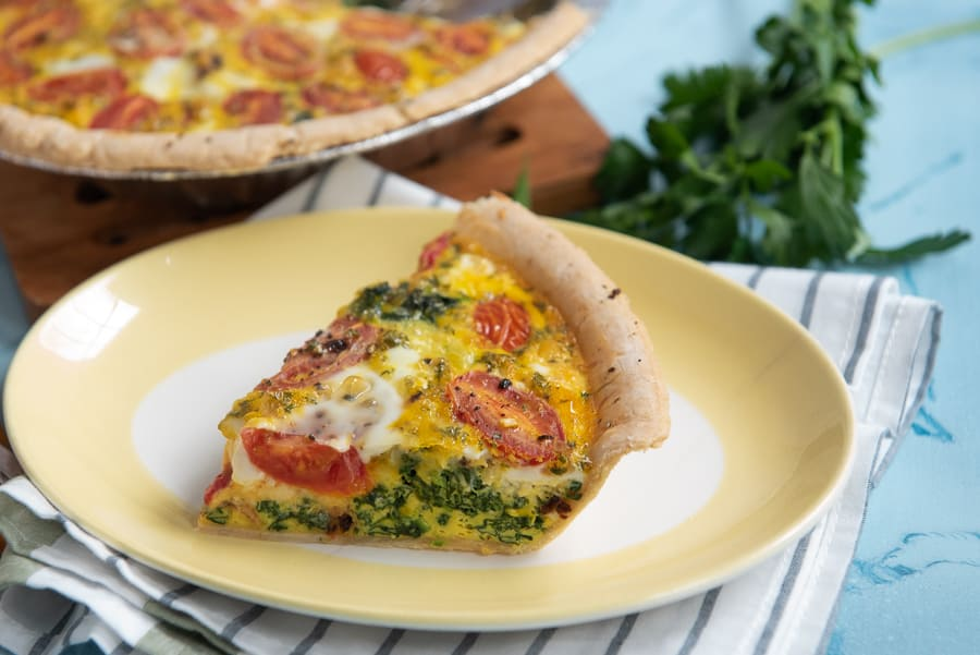 Cheesy Spinach Tomato Quiche